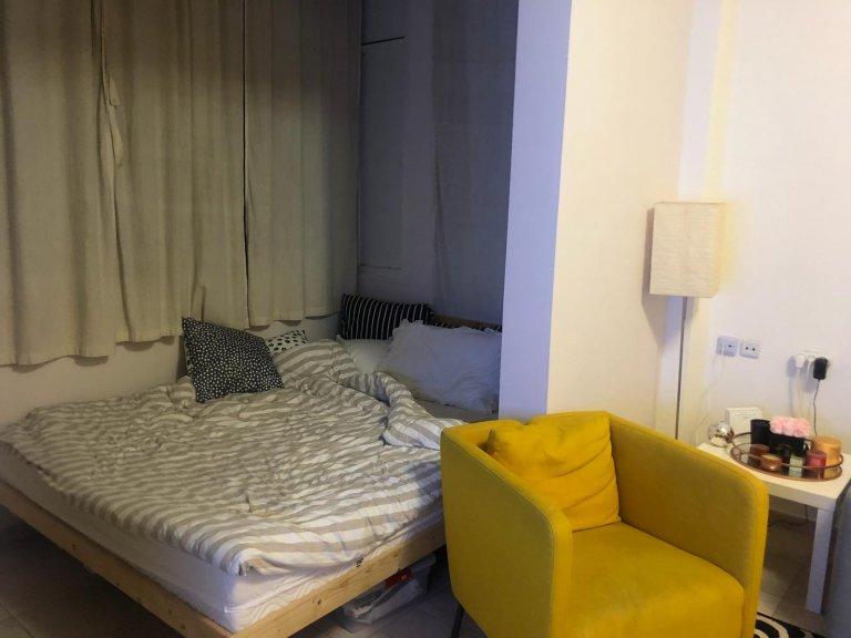 חדר השינה בדירה ברח' יהושע בן נון