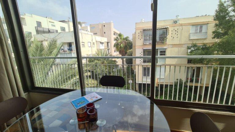מרפסת הדירה