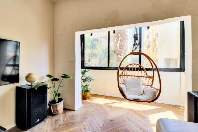 חלון הדירה