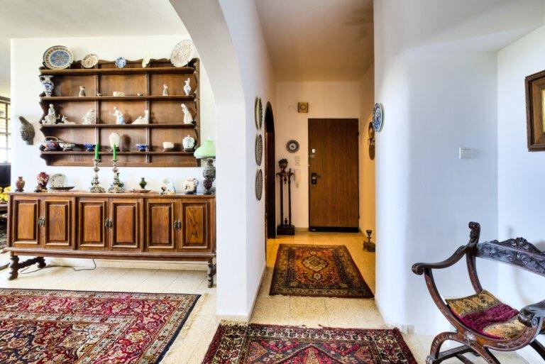 הכניסה לדירה