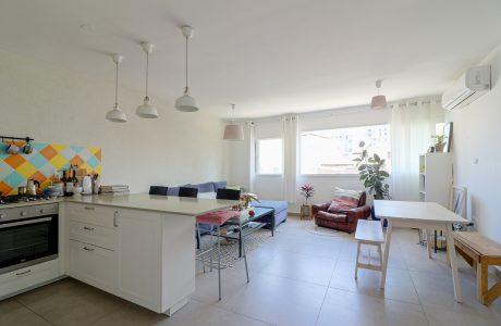 למכירה בכרם התימנים המבוקשת דירת 3 חדרים עם מעלית ו2 חניות נפרדות בטאבו