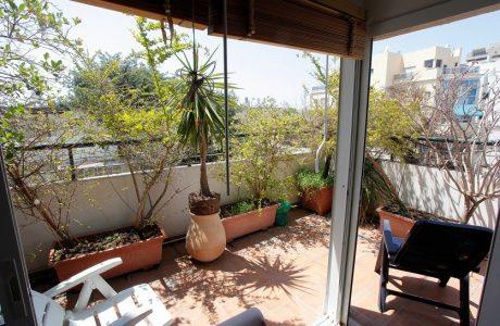 נמכר! 3 חדרים + 2 מרפסות שמש בלב העיר ברח' פרץ חיות